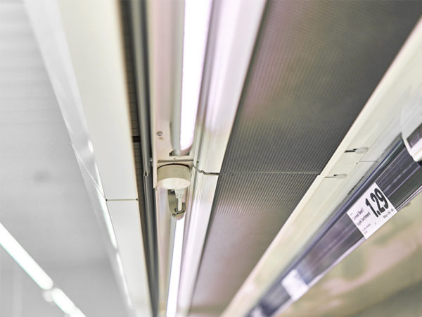 LED Leisten Regalunterboden