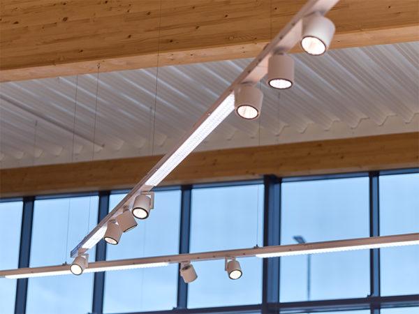 Deckenabhängung LED Leuchten Shopbeleuchtung